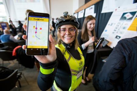 Maria Artunduaga demonstrates the CroXwise app