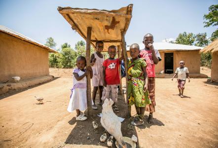 Children in Bondo, Kenya at a Global WACh research site.