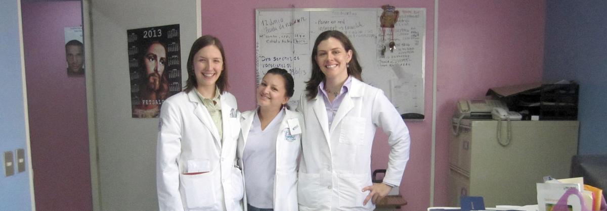 Two global health pathway students in Nicaragua.
